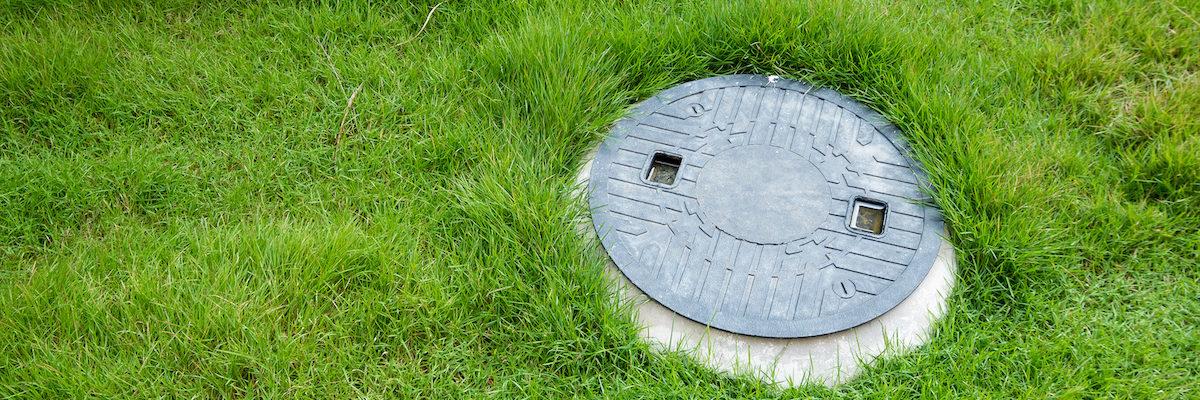 Septic tank underground waste treatment system